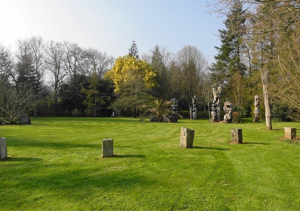 Vue du Gîte du Jardin de pierre Pléhédel (2).JPG