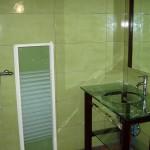 5-salle d'eau RDC.jpg