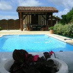 piscine et balconnières.jpg