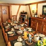 La petit déjeuner au Clos des Raisins chambre hotes en Alsace.jpg